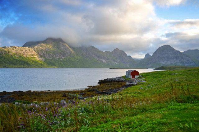 Zdjęcia: Lofoty, Lofoty, Samotny domek, NORWEGIA