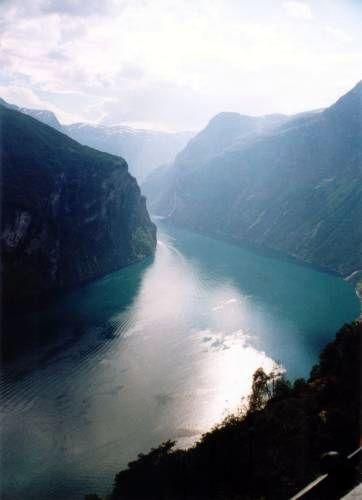 Zdjęcia: Droga Orłów, Widok na Geirangerfjord z Drogi Orłów, NORWEGIA