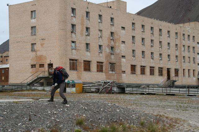 Zdjęcia: Piramida, Svalbard, Grasz w hokeja ?, NORWEGIA
