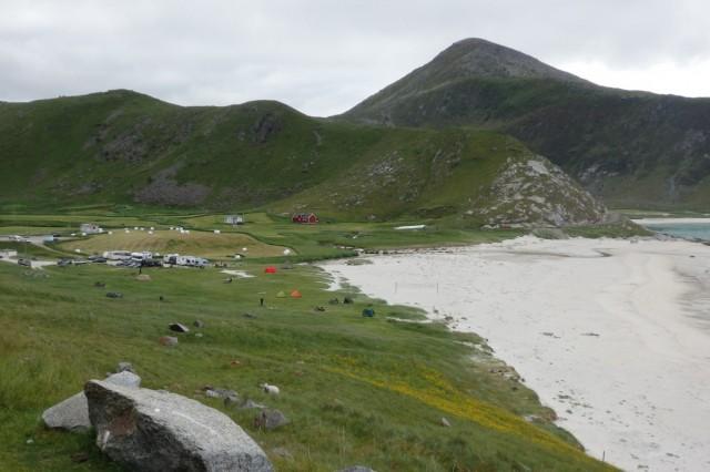 Zdjęcia: Uttakleiv, Lofoty, Uttakleiv - pole namiotowe, NORWEGIA