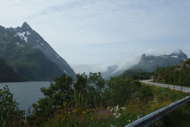 Zdjęcia: Lofoty , niedaleko Svolvaer, Lofoty, Lofockie dróżki, NORWEGIA