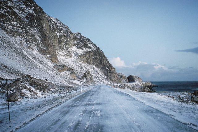 Zdj�cia: Niedaleko miejscowo��i Berlevag, Morza Barentsa, DROGA PRZY MORZU BARENTSA, NORWEGIA