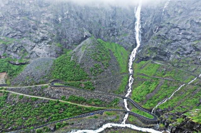 Zdjęcia: Trollstigen, Reinheimen, W sieci czarnych i białych nitek , NORWEGIA