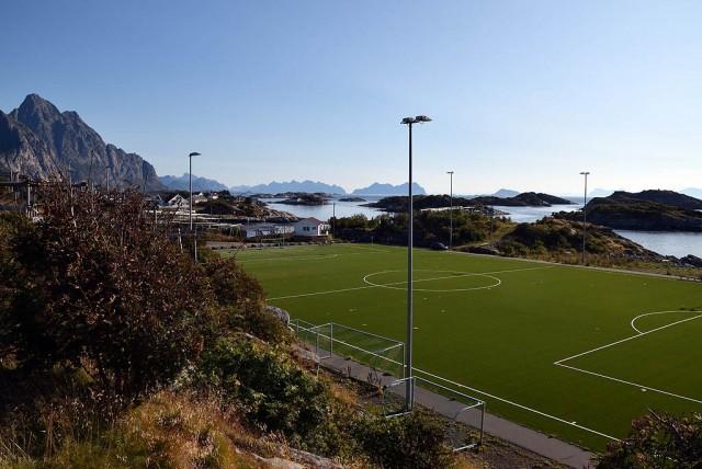Zdjęcia: Henningsvaer, Lofoty, Stadion w Henningsvaer, NORWEGIA