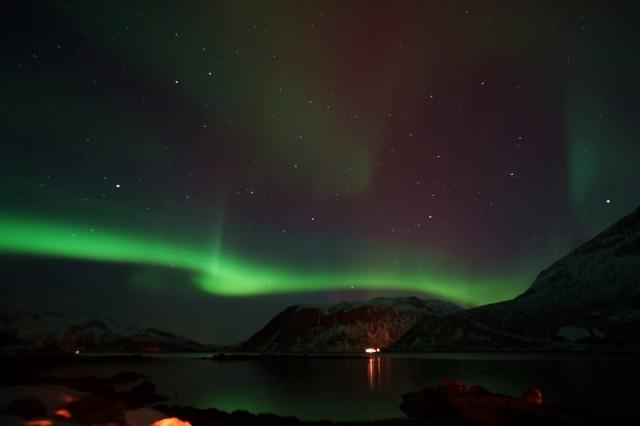 Zdjęcia: Kvaløyvågen, Troms, Świetlny spektakl, NORWEGIA