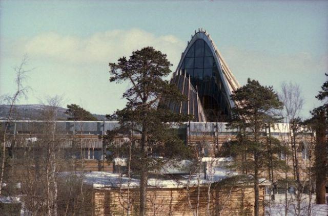 Zdjęcia: Karasjohka, Finnmark, Parlament Saamów, NORWEGIA