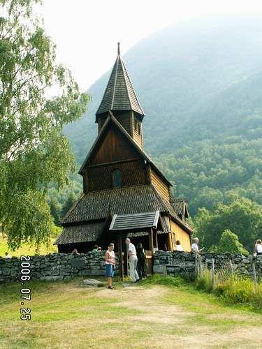 Zdjęcia: Urnes, Stavkirke, NORWEGIA