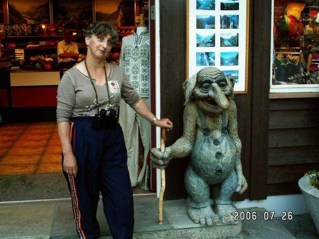 Zdjęcia: Geiranger, Ela i troll, NORWEGIA