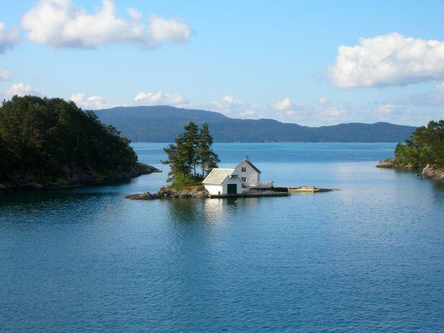 Zdjęcia: Norwegia, Samotny dom, NORWEGIA