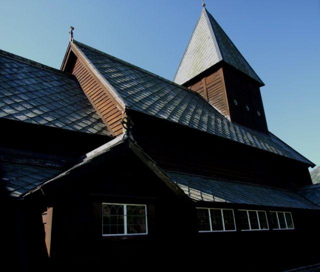 Zdjęcia: przy drodze Oslo-Bergen, kościół, NORWEGIA