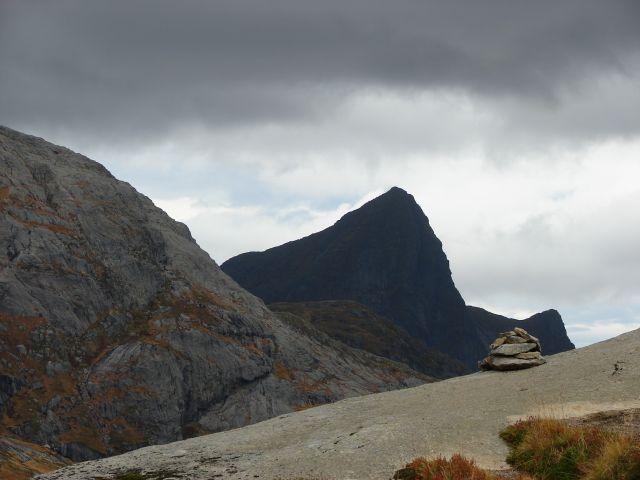 Zdjęcia: Lofoty, Trzy szczyty, NORWEGIA