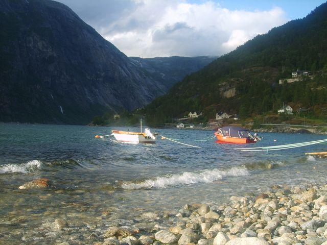 Zdjęcia: Eidfjord, Norwegia, Łódki, NORWEGIA