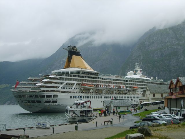 Zdjęcia: Eidfjord, Prom, NORWEGIA
