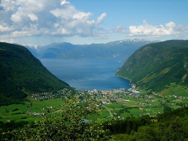 Zdjęcia: Vik, region Sogn og Fjordane, Widok na Sognefjorden, NORWEGIA