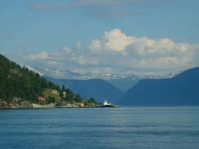 Zdjęcia: Sognefjord, region Sogn og Fjordane, Na drugim brzegu fiordu2, NORWEGIA