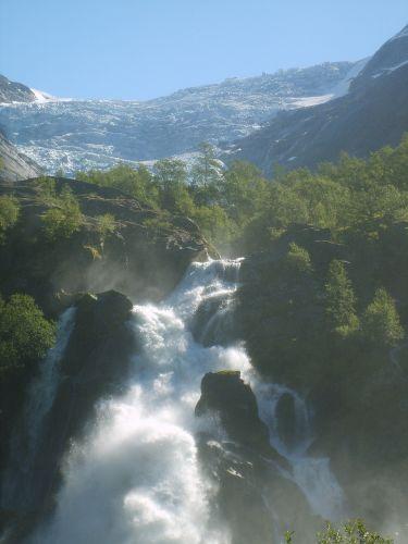 Zdjęcia: Jostedalsbreen Nasjonalpark, Wodospad prosto z lodowca:), NORWEGIA