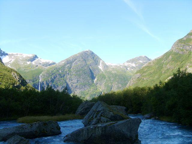 Zdjęcia: Jostedalsbreen Nasjonalpark, Rzeka prosto z lodowca:), NORWEGIA