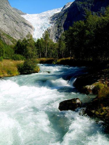 Zdjęcia: Jostedalsbreen Nasjonalpark, Rzeka z lodowca........, NORWEGIA