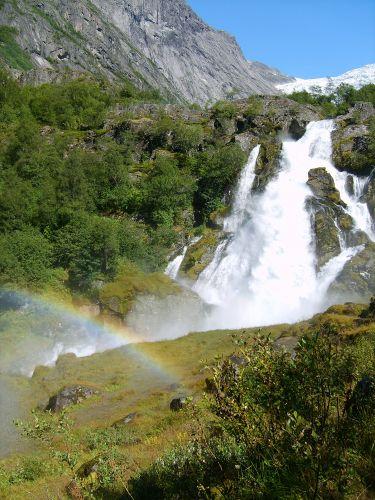 Zdjęcia: Jostedalsbreen Nasjonalpark, Trochę lodowca, trochę wodospadu, trochę tęczy..., NORWEGIA