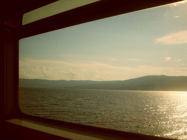 Zdjęcia: Jezioro Mjosa, między Hammar a Oslo, Widoki z pociągu, NORWEGIA