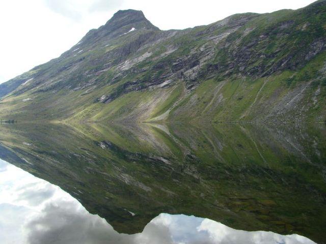 Zdjęcia: More og Romsdal, More og Romsdal, lusterko, NORWEGIA