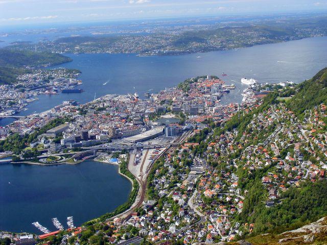 Zdjęcia: Bergen, Bergen - widok na port i stare miasto, NORWEGIA