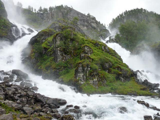 Zdjęcia: Oppdal, Oppdal, poteżny wodospad, NORWEGIA