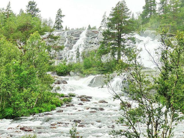 Zdjęcia: m6, Nordland, Spokojny wodospad, NORWEGIA