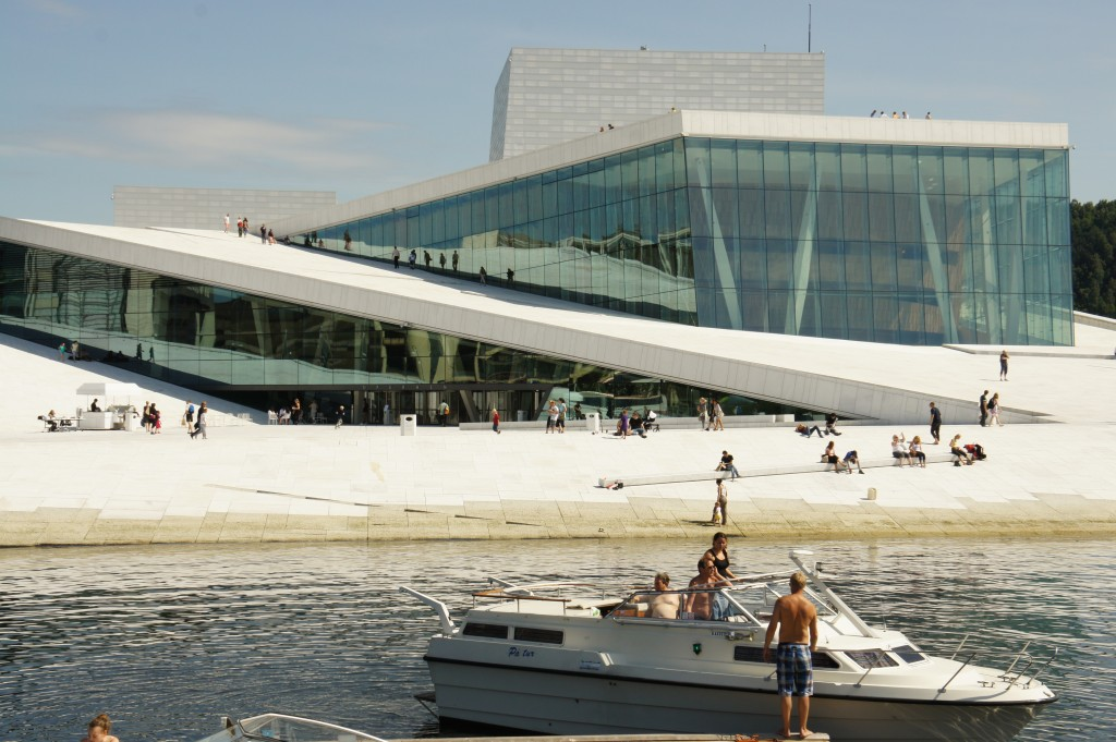 Zdjęcia: Oslo, Oslo, Randka na dachu opery w Oslo, NORWEGIA