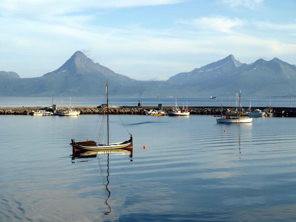 Zdjęcia: Skutvik, Lofoty, łódka, NORWEGIA