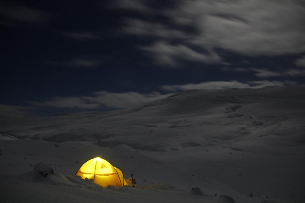 Zdjęcia: Płaskowyż Hardangervidda, Hordaland, Zimowy nocleg na płaskowyżu, NORWEGIA
