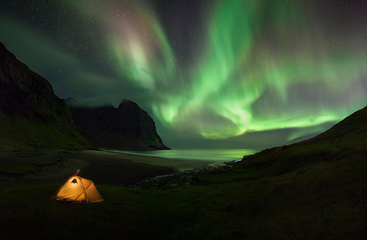 Zdjęcia: Kvalvika, Lofoty, Biwak na plaży Kvalvika, NORWEGIA