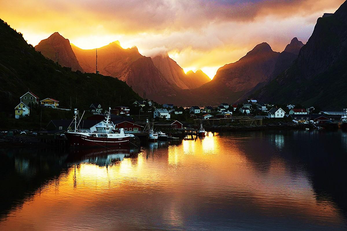 Zdjęcia: Reine, Lofoty, Noc polarna, NORWEGIA