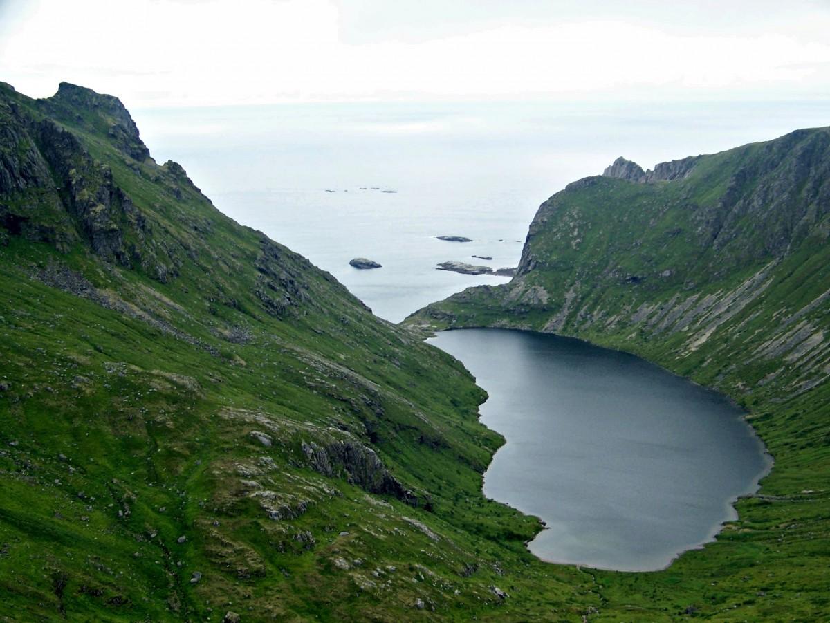 Zdjęcia: okolice Å, Lofoty, Jezioro Stokkvikvatnet, NORWEGIA