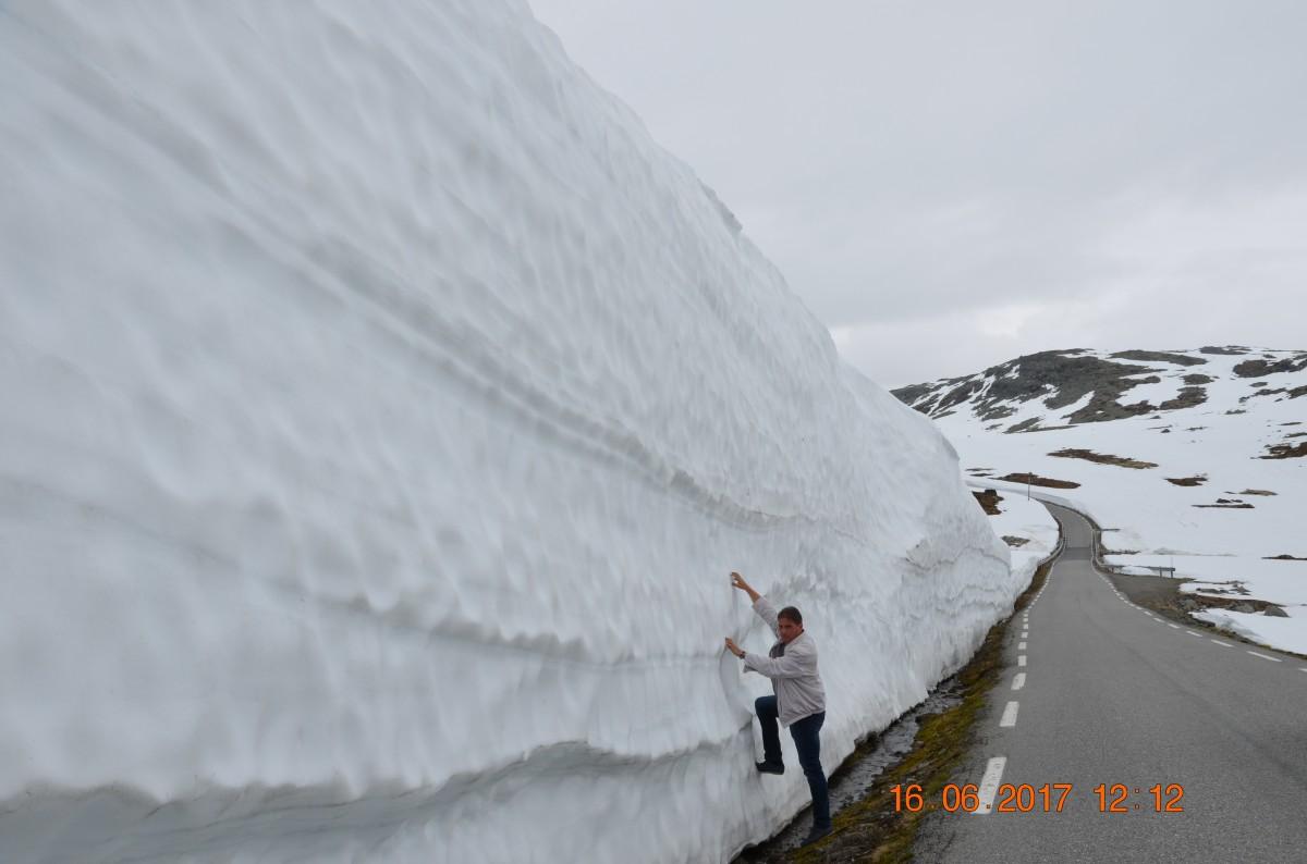 Zdjęcia: Norwegia, -Norwegia, Snow road, NORWEGIA