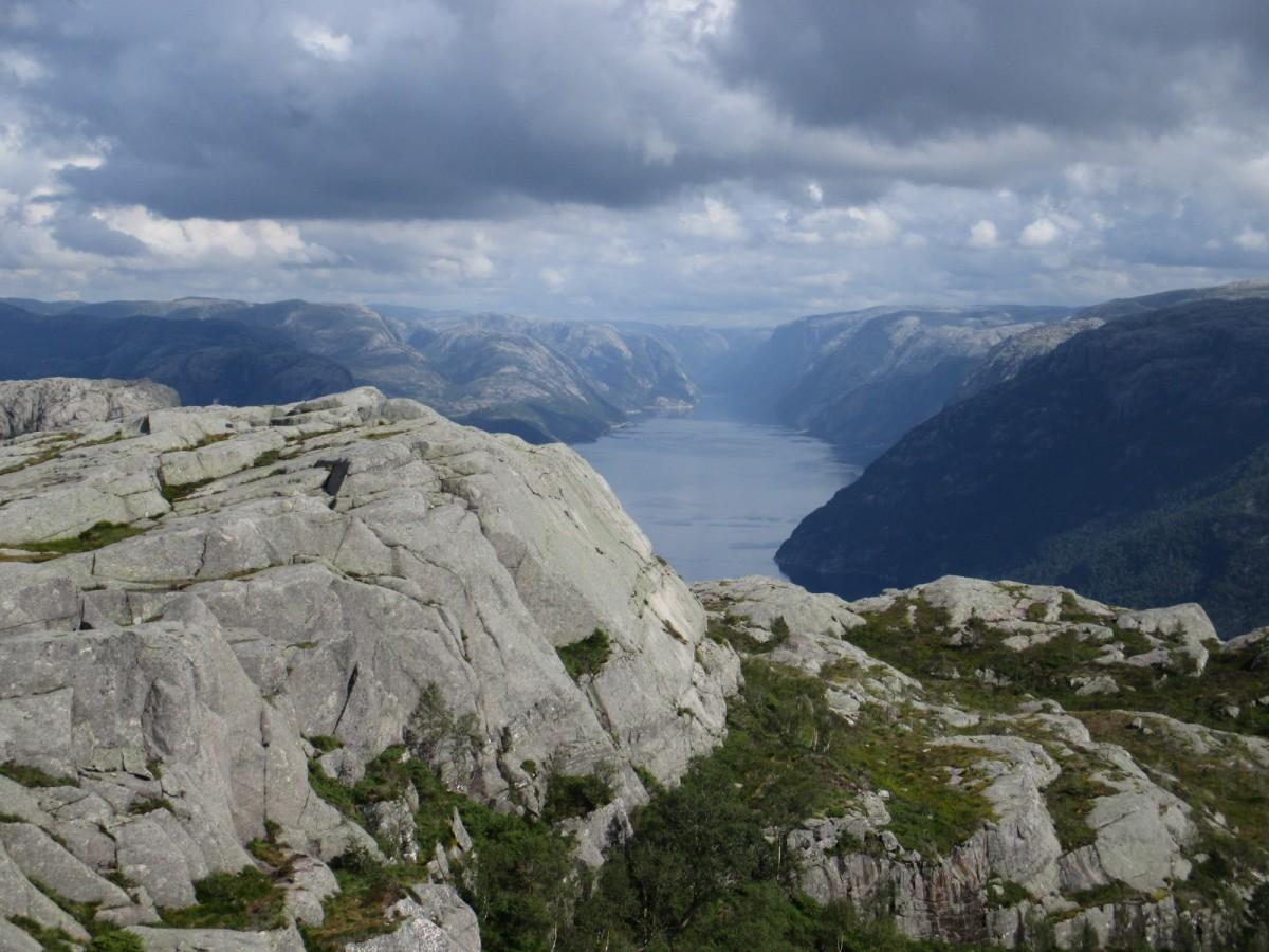 Zdjęcia: Preikestolen, Rogaland, Zachmurzony fjord, NORWEGIA