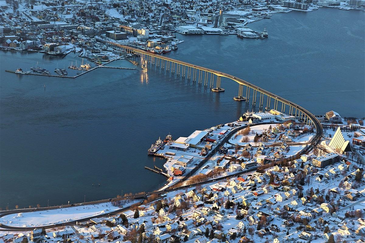 Zdjęcia: Tromsø, Troms, Tromsøbrua, czyli most Tromso, NORWEGIA