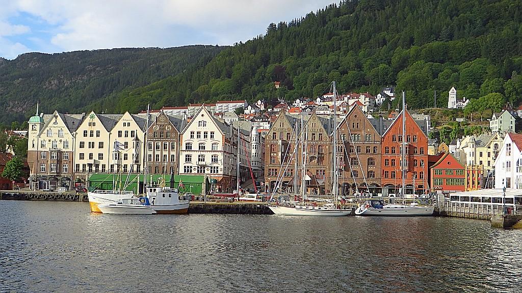 Zdjęcia: Bergen, Norwegia południowo - zachodnia, widok na Bryggen, NORWEGIA