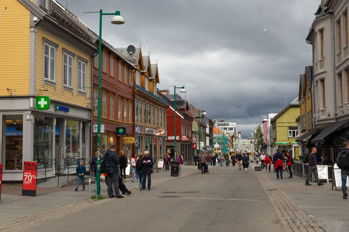Zdjęcia: Tromso, Północna Norwegia , Ulica w centrum Tromso, NORWEGIA