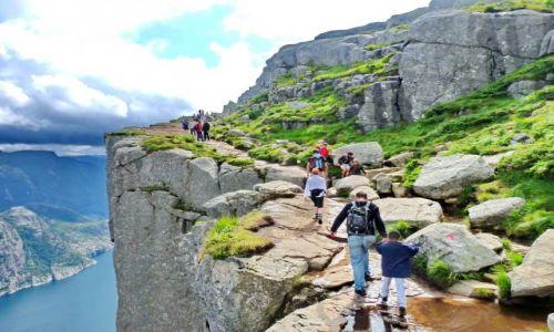Zdjecie NORWEGIA / Forsand / Lysefjorden / Trasa na Preikestolen
