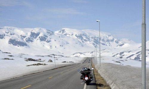 Zdjecie NORWEGIA / północny-zachód  / pasmo górskie / Wielkanoc 2011 , troszkę za szybko wystartowałem