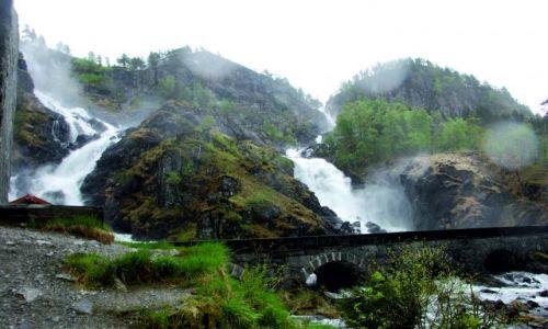 Zdjecie NORWEGIA / Północny zachód od Oslo / Wodospad  LATEFOSS / To nie Niagara