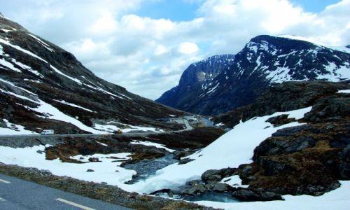 Zdjecie NORWEGIA / Droga 63 / Norwegia / W drodze do Dro