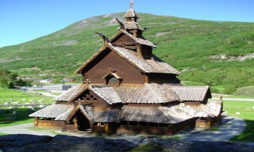 Zdjecie NORWEGIA / Hordaland / Hordaland / Stavkirke - w drodze do Gudvangen