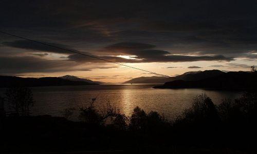 Zdjecie NORWEGIA / sogn og fjordane / Sylte / fiord o zachodzie słońca