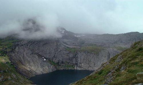 Zdjecie NORWEGIA / Lofoty / Lofoty / skaly