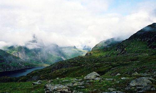 Zdjecie NORWEGIA / Lofoty / Lofoty / chmury noca