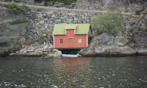 NORWEGIA / - / Norwegia / Skalniak w ogródku :)