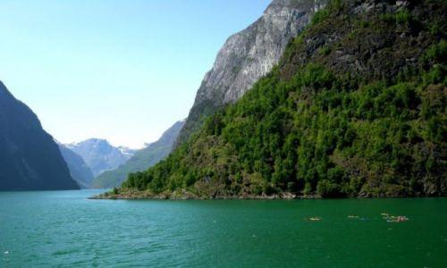 Zdjecie NORWEGIA / - / Sognefjord / Kajakiem przez Sognefjord