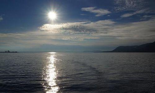 Zdjecie NORWEGIA / Svalbard / Longyearbyen / ...i o północy Słońce świecić może...